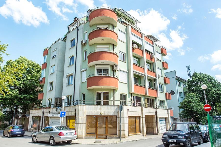 Residential building 44 Galichitsa str